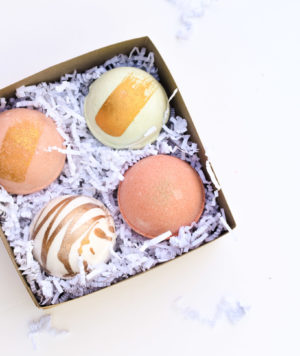 4 bath bombs kraft gift box